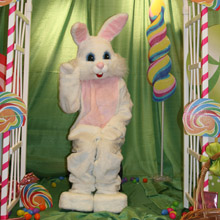 Lodi Station Outlets Easter Bunny