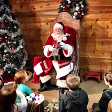 Santa at Ohio Station Outlets